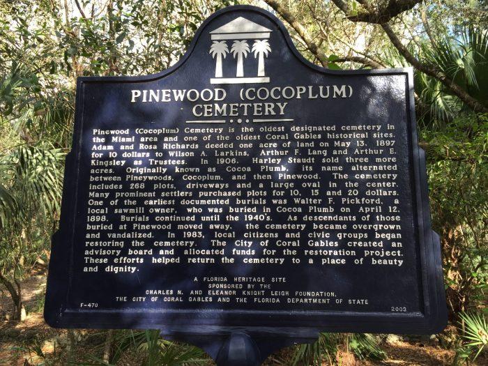 Pinewood Cemetery - Photo